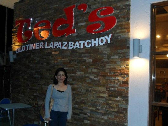 Ted's Oldtimer Lapaz Batchoy : Ted's @ Smallville