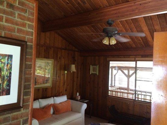 Rainforest Inn: One of the rooms