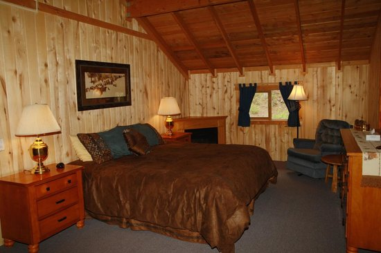 Elk Mountain Ranch: Elk master bedroom
