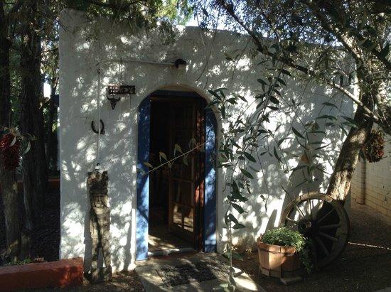 Sam Hughes Inn Bed & Breakfast: door of the casita