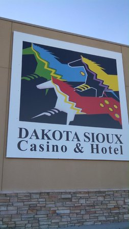 Dakota Sioux Casino & Hotel: Sign outside