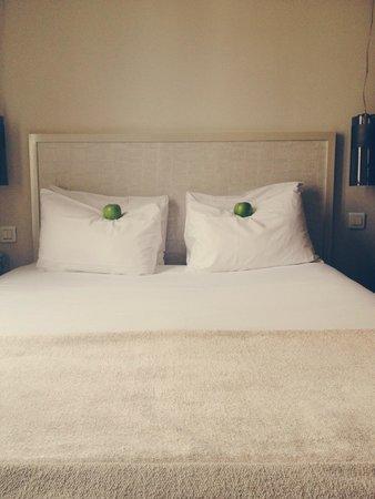 Hotel Le Quartier Bercy Square Paris: Lovely bed