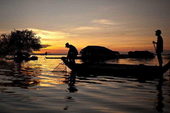 Peace of Angkor Tours: Sunset On Tonle Sap