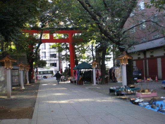 Hanazono Shrine: Shrine Entry