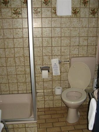 De badkamer (eenpersoonskamer) - Bild von Hotel Paulushof, Simmerath ...