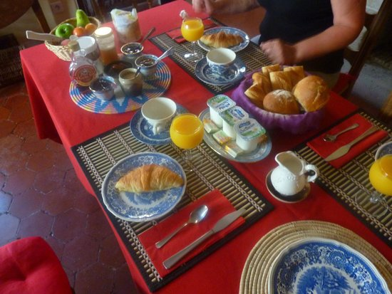 Bennecourt, France: le petit dejeuné