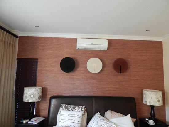 Silverwood Manor: room