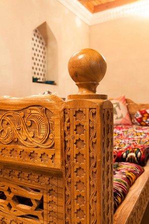 Salom Inn: Wood Carving