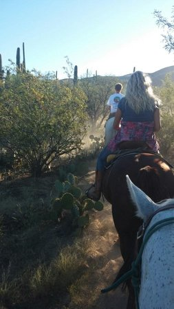 Tanque Verde Ranch : breakfast ride