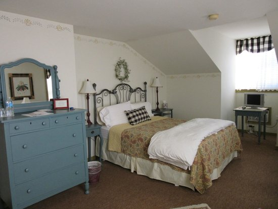 Captain Stannard House Bed and Breakfast Country Inn: Bedroom