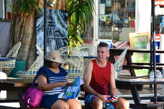 Sarayi Boutique Hotel: Sitting outside Rising Sun with Sarayi Manager, John