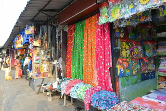 Street stalls picture of pettah colombo tripadvisor for Pettah market colombo