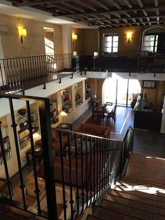 Hotel Hospes Palacio de San Esteban: entrada recepcion y salon