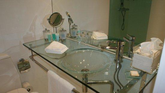 Hotel Riverton: Bathroom