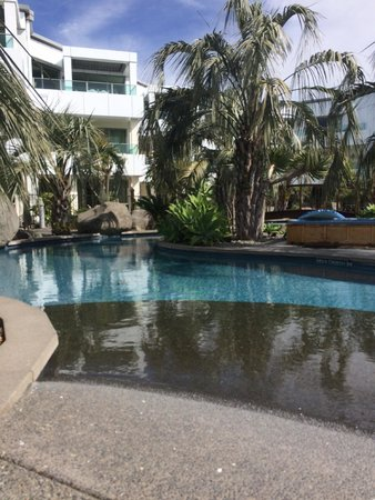 Cutters Cove Resort Apartments: Awesome lagoon pool