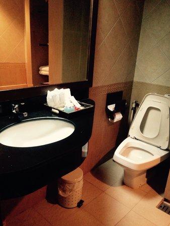 Sira Boutique Hotel: ห้องน้ำ