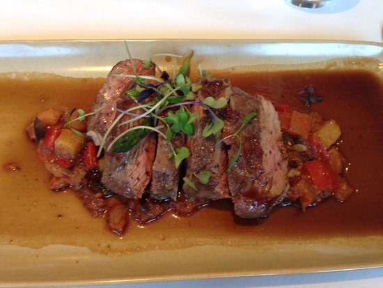 Chez Pierre: The lamb was delicious cooked to perfection.