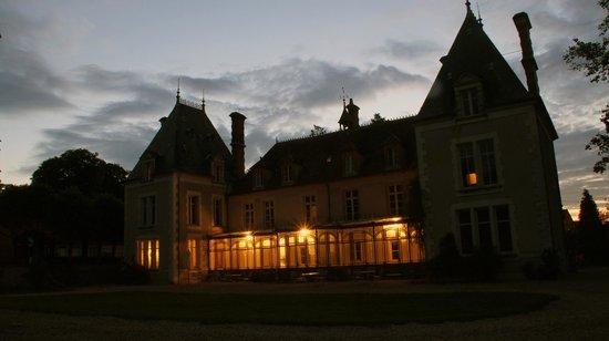 Chateau d'Igny: Chateau Igny bij valavond