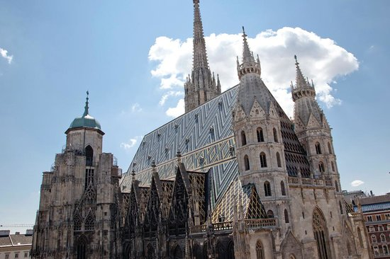 Pension Sacher: View over the cathedral