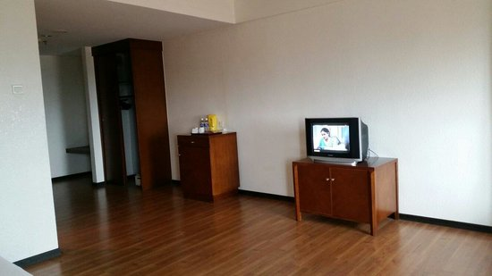 Alora Hotel : Less furniture... TV need to upgrade and not proportionate with room size.