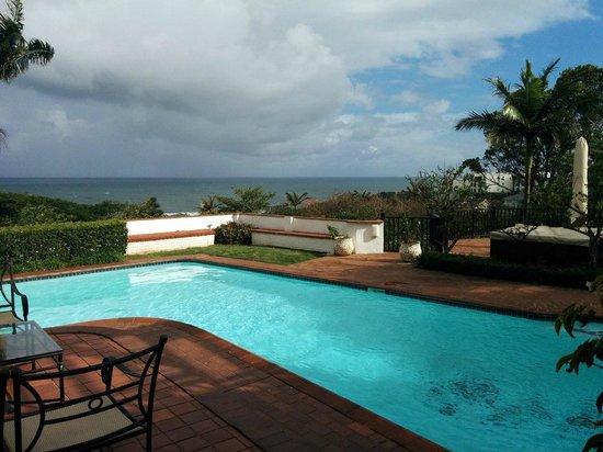 Comfort House B&B: High vantage overlooks ocean