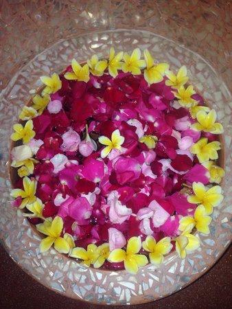 Bodyworks: Flower filled bath