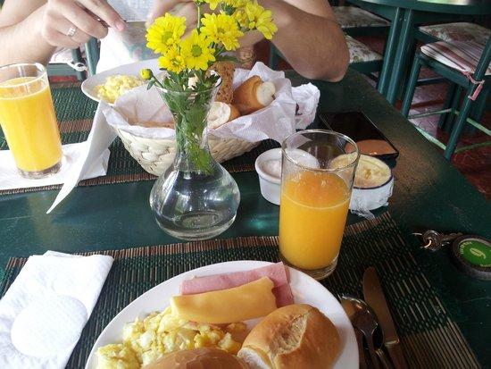 Vila Da Mata Hospedagem: Café da manhã Fofo