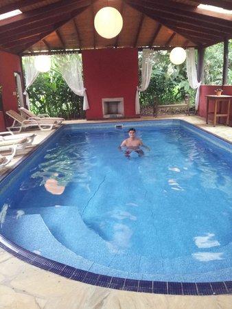 Vila Da Mata Hospedagem: Piscina coberta e aquecida