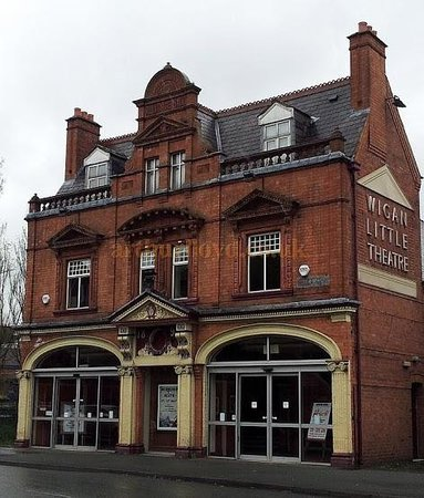 ‪Wigan Little Theatre‬