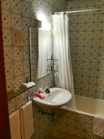 Cheerfulway Bravamar Hotel: Bathroom