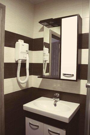 Aron Hotel: ванная комната