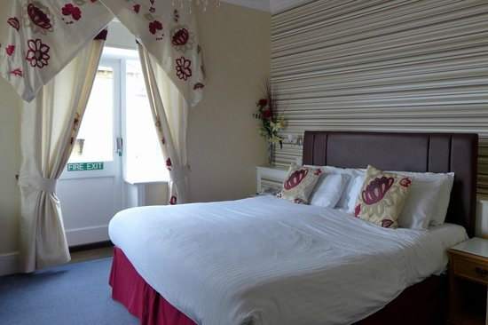 BEST WESTERN New Holmwood Hotel & Restaurant: Bedroom