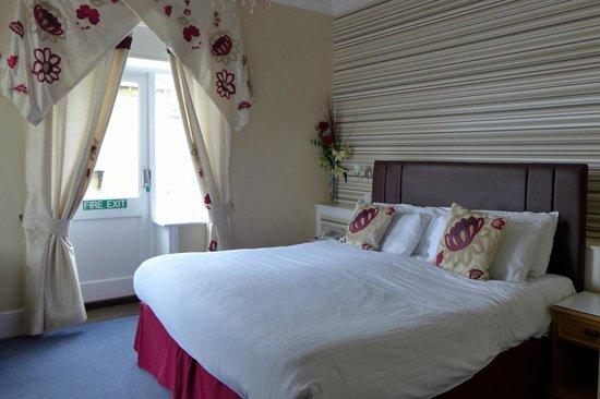 Best Western New Holmwood Hotel: Bedroom