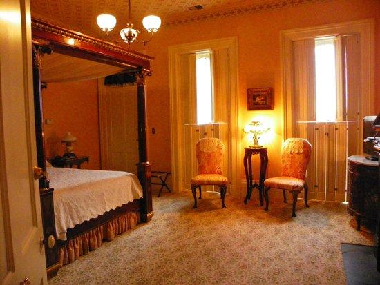 Schenck Mansion Bed & Breakfast Inn: Corrine's Room
