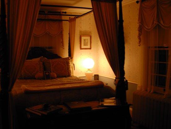 Mountain View Inn: Our beautiful room