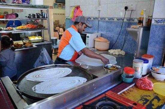 Sri Brinchang : Freshly made thosai