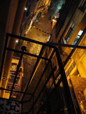 Nuru Ziya Suites : the view from four poster bedroom