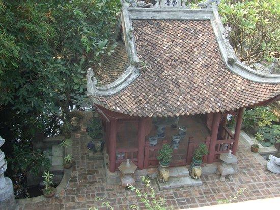 Thanh Chuong Viet Palace: Inside the palace