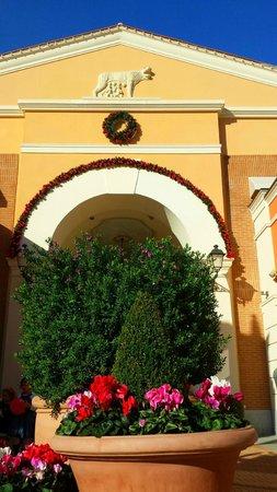 Castel Romano Designer Outlet: Particolare degli interni del Centro