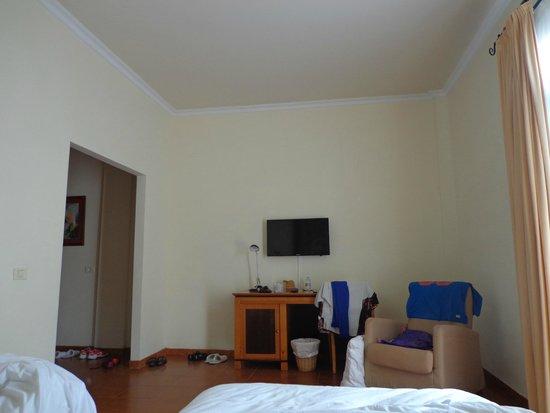 Los nicos muebles de la junior suite bild fr n melia for Melia jardines del teide junior suite