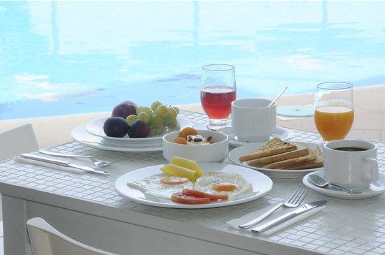 Elounda Krini Hotel: Breakfast