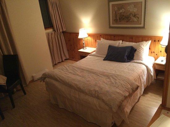 Auberge sur la Falaise: room 104