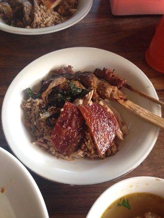 Babi Guling Chandra: Nasi babi guling spesial