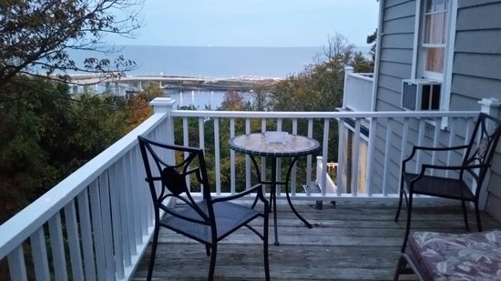 SeaScape Manor Bed & Breakfast : Precious Moments deck & view