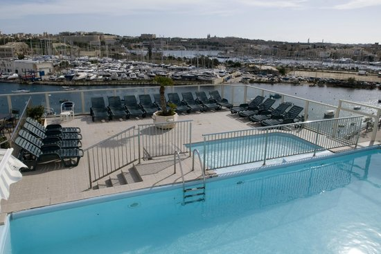 Photo of Bayview Hotel & Apartments Il Gzira