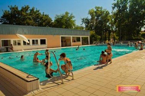 Camping gers de l 39 arros plaisance voir les tarifs et for Hotel piscine gers