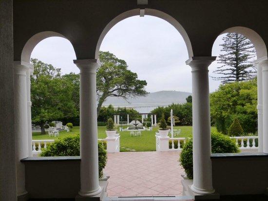 Parkes Manor: Aussicht auf den Park vom Eingang aus