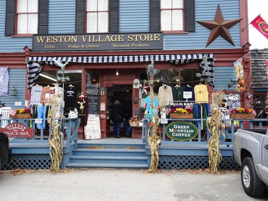 Vermont Country Store: Go over the road - it's cheaper!