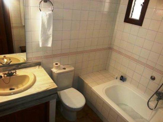 Delfin Apartamentos Casa Vida: Waschbecken+Bad (Badewanne)+WC (Fön vorh.)