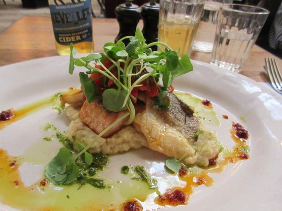 Jamie's Italian : Fillets of Sea Bass and Salmon on a bed of Celeriac mash. Ah-mazing!